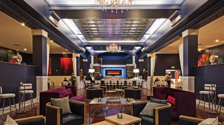 kimis interior and lounge