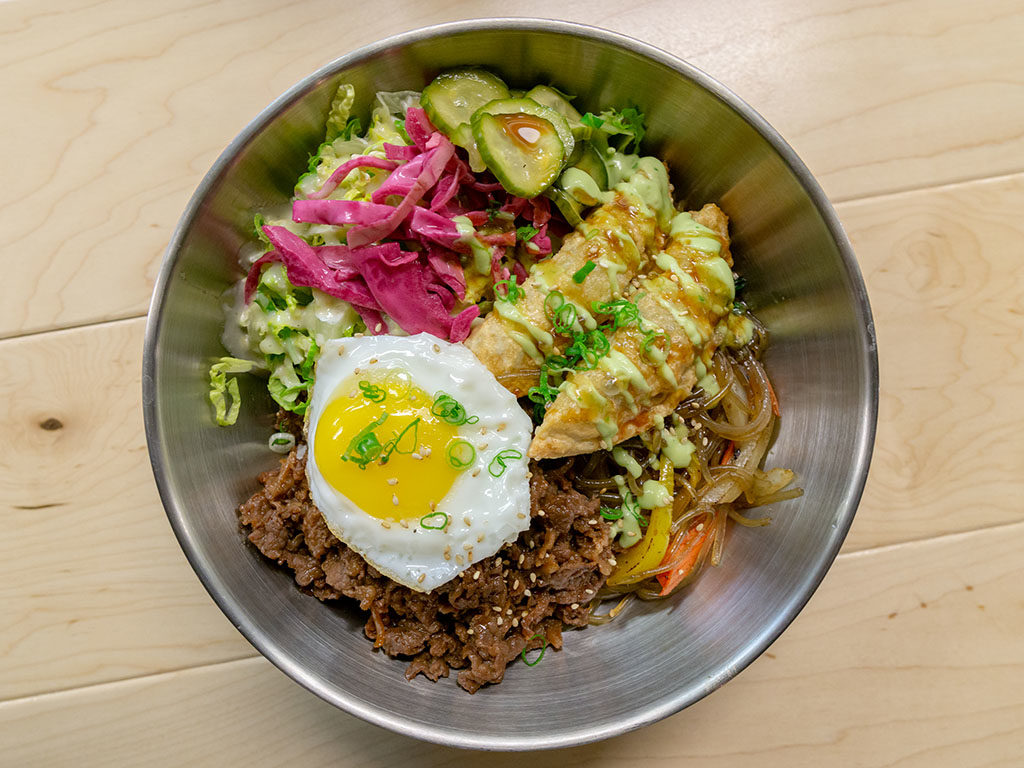 Angry Korean - rice bowl with beef bulgogi and mandoo