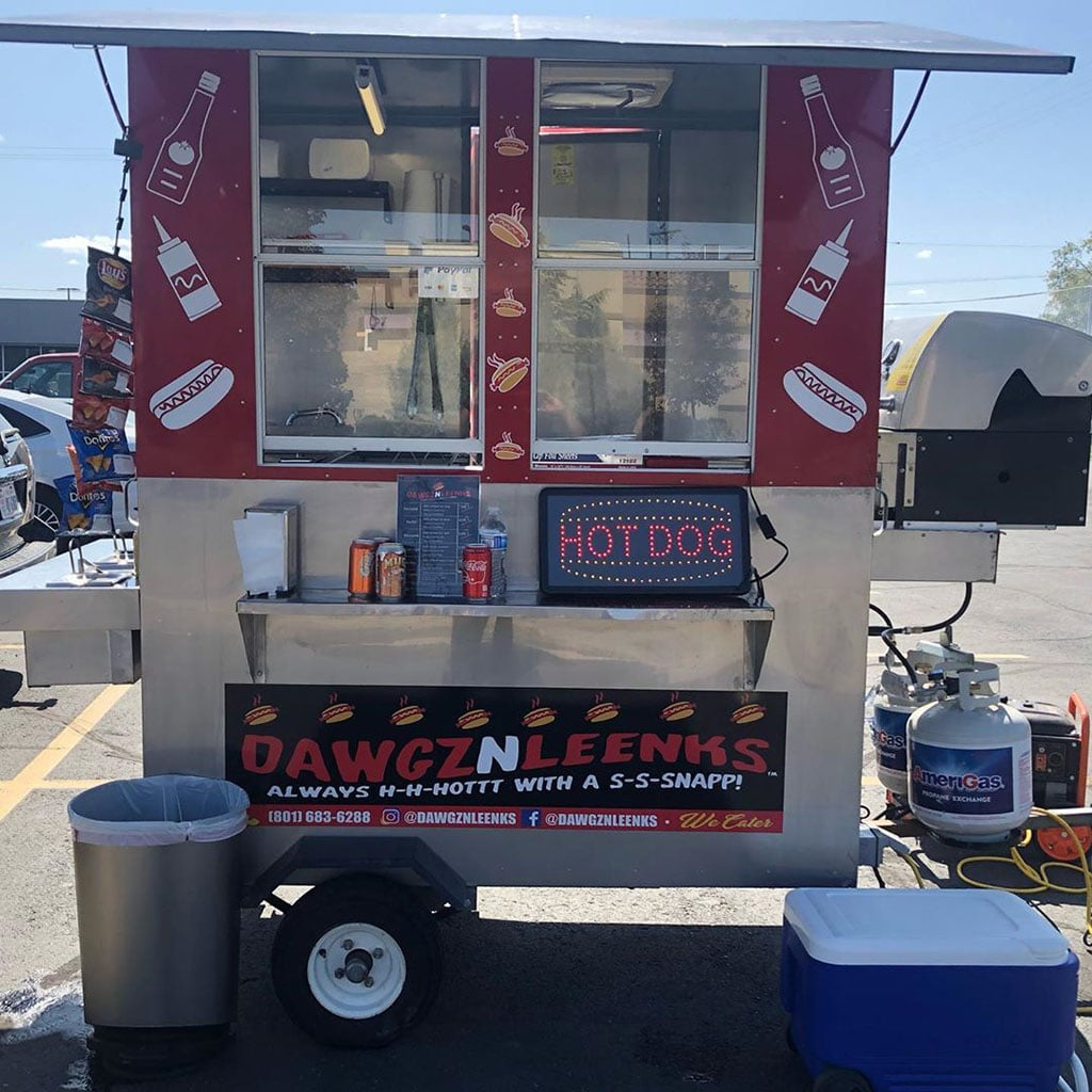 Dawgz N Leenkz - hot dog trailer (Dawgz N Leenkz)